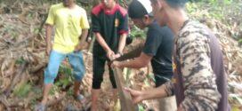 Gotong Royong Perbaikan Saluran Air Pesantren