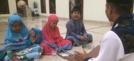 Belajar Ngaji dan Sholat – Pembinaan Keluarga Muallaf